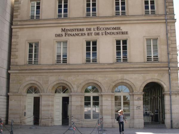 le-ministere-de-l-economie-des-finances-et-de-l-industrie-a-paris-wikimedia-pierre-rudlof-cc-3.jpg