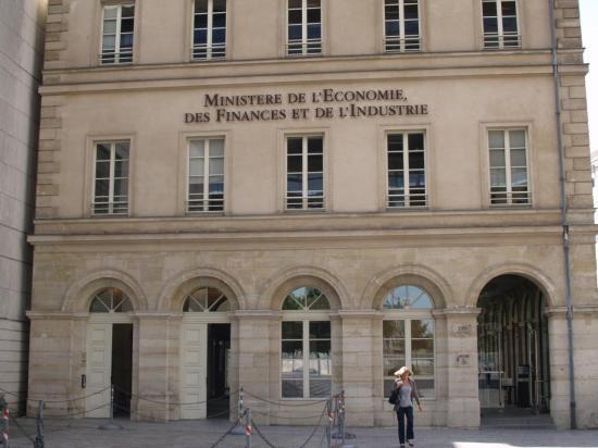 le-ministere-de-l-economie-des-finances-et-de-l-industrie-a-paris-wikimedia-pierre-rudlof-cc.jpg